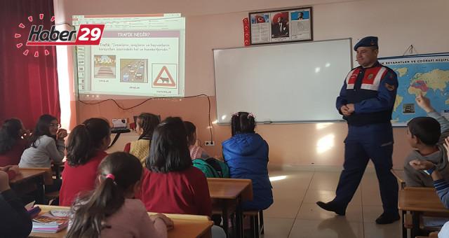 Jandarma Trafik Ekiplerinde Öğrencilere Trafik Eğitimi