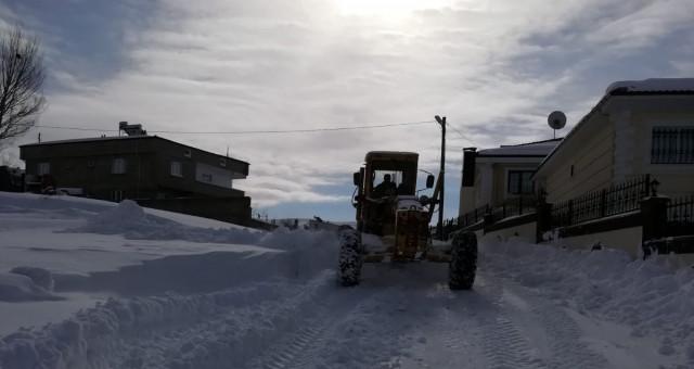 78 köy yolu ulaşıma kapandı