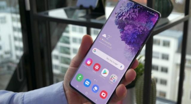 Samsung 7.000 mAh Bataryalı Telefon Üzerinde Çalışıyor