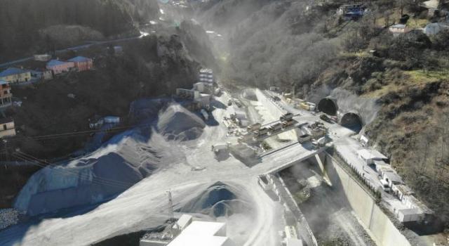Zigana Tüneli inşaatında yüzde 78 seviyesine ulaşıldı