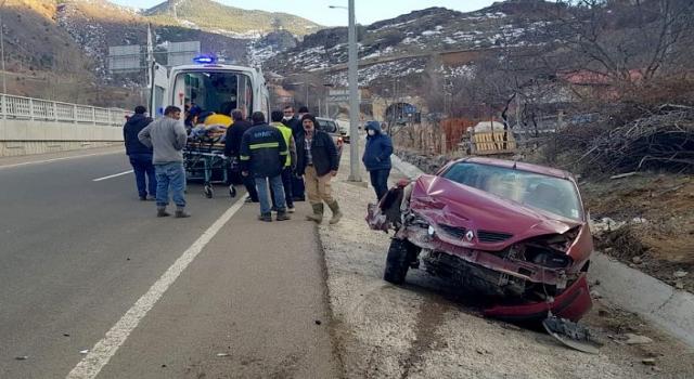 Gümüşhane'de trafik kazası: 2 yaralı