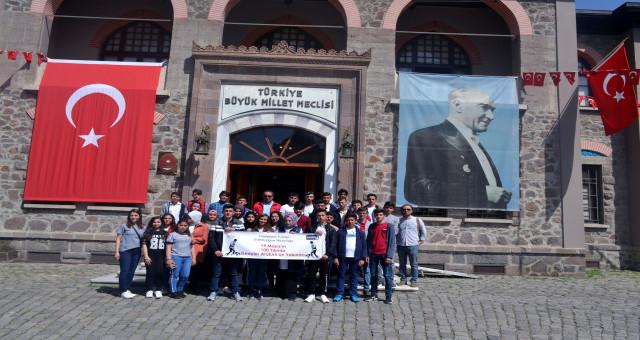 Cumhuriyetin 100.Yılında gençler Atatürk'ün yolunda