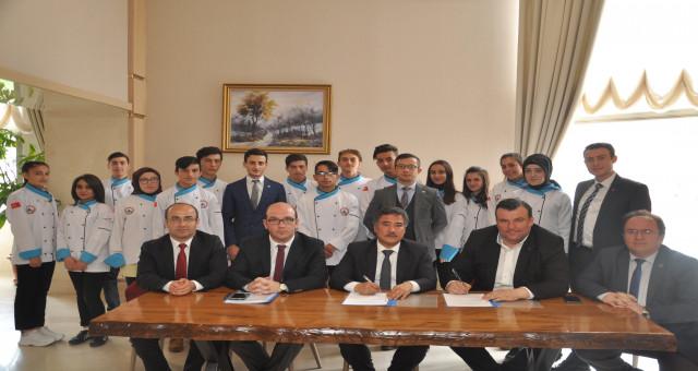 Ramada Otel ile MEM işbirliği protokolü imzaladı