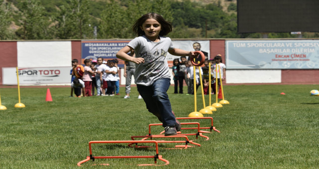 Yeni Şehir Stadyumu'nda Çocuk Oyunları Şenliği