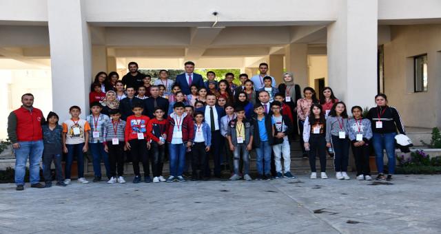 Biz Anadoluyuz Projesi kapsamında Kars'tan gelen öğrenciler Gümüşhane'de