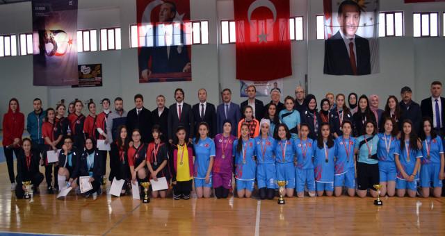 Genç Kızlar Futsal Müsabakaları Yapıldı