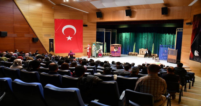 Devlet Tiyatroları Gümüşhane'de