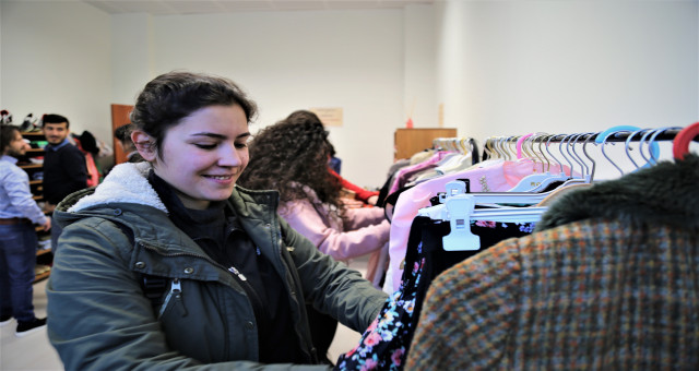 Giysi Paylaşım Odası'ndan 8 Mart'a Özel Kutlama