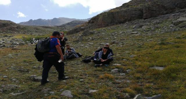 Artabel Göllerinde yüksek irtifadan etkilenen vatandaşları AFAD ekipleri kurtardı