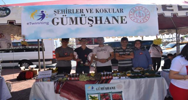 Türk Telekom Fen Lisesi Şehirler ve Kokular Projesinde Gümüşhane'yi temsil etti