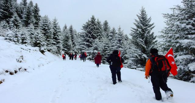 Gümüşhaneli Dağcılardan Anlamlı Yürüyüş