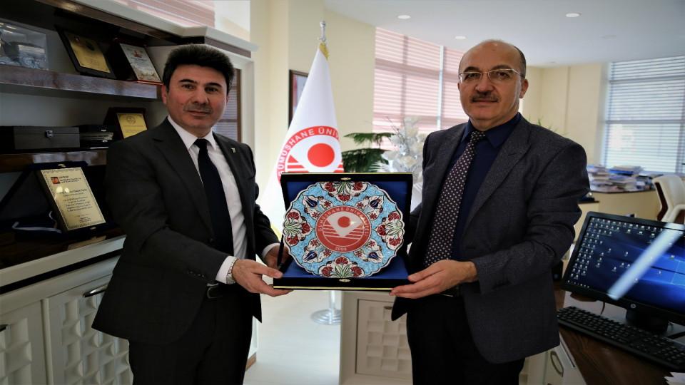 7 Aralık Üniversitesi Prof. Dr. Karacoşkun'dan Rektör Zeybek'e Ziyaret