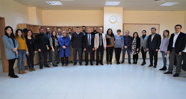 GÜ İletişim Fakültesi Dekanı, akademisyenlerle bir araya geldi