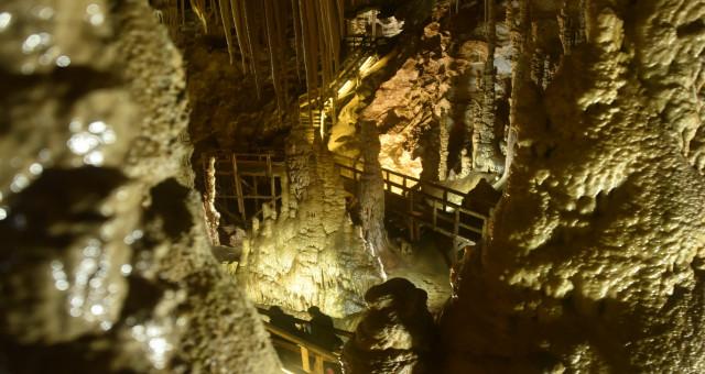 Yer altındaki gizemli dünya Karaca Mağarası'nda sezon başladı