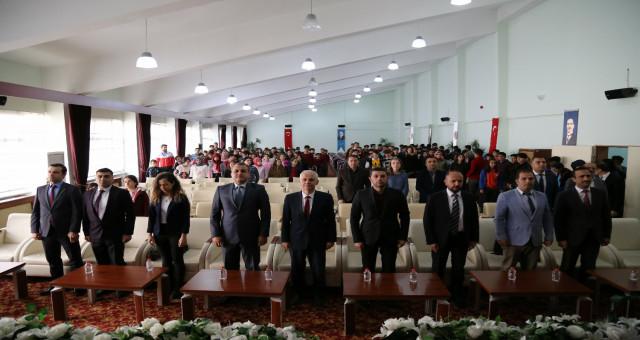 """Gümüşhane Üniversitesinde """"Sanal Topraklardan Verimli Topraklara"""" Projesi için Program Düzenlendi"""