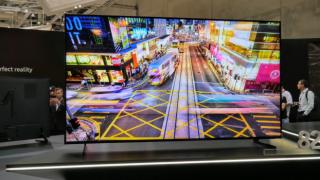 Samsung QLED TV modelleri bir ilke imza attı