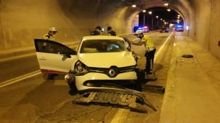 Hacıemin Tünelinde Kaza:3 yaralı