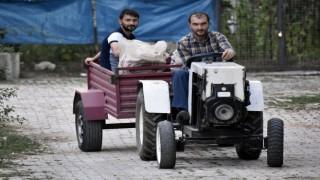 Sosyal medyadaki videoları izleyerek traktör yaptı.
