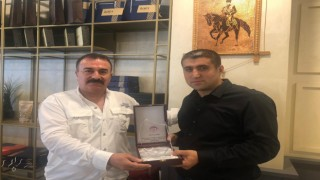 ŞİDEF'den, Murat Akın'a Plaket