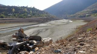 Torul Baraj Gölünde Kuraklık