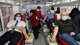 Eğitimciler 'İyilik Kanımızda Var' sloganıyla Türk Kızılay'ına Kan Bağışında Bulundu