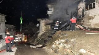Evi benzinle ateşe veren 3 kişi tutuklanarak cezaevine gönderildi