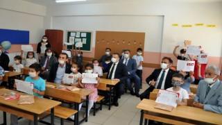 Okullarda Öğrenciler Karne Heyecanı Yaşadı