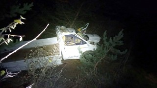 Gümüşhane'de kamyonet uçuruma yuvarlandı: 2 ölü, 1 yaralı