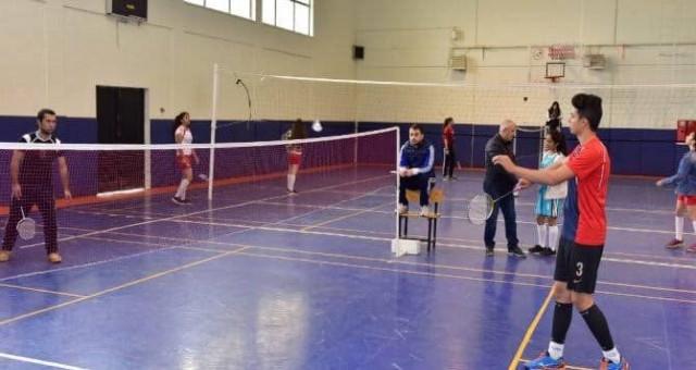 Badminton grup müsabakaları Gümüşhane'de