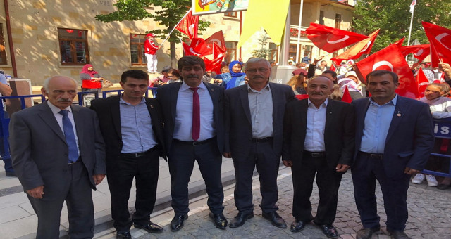 Torul Belediye Başkanı ÖZDEMİR ilk günde okulları ziyaret etti