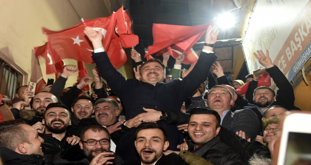 Ercan Çimen'e Sevinç Gösterileri