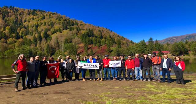 Gümüşhaneli dağcılar Borçka-Karagöl'de kamp kurdu