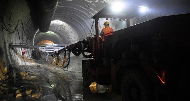 Yeni Zigana Tüneli'nin Yarısı Tamamlandı