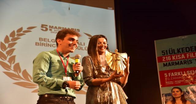 """""""Pembe Kimlik""""e uluslararası film festivallerinden iki ödül birden"""