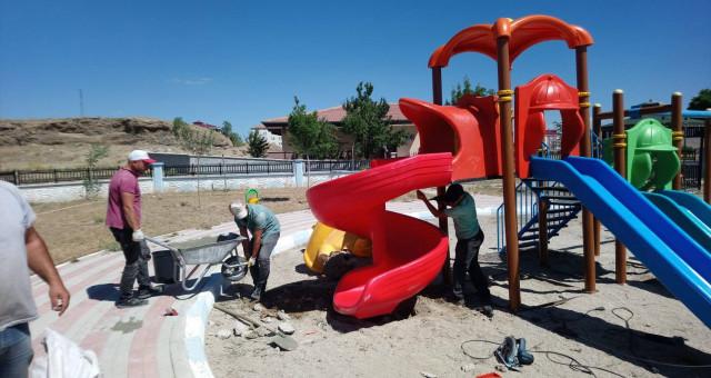 Kelkit'te Oyun Parkı Bakım Çalışmaları Devam Ediyor