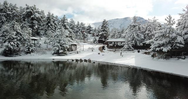 Limni Gölü beyaz cennete döndü